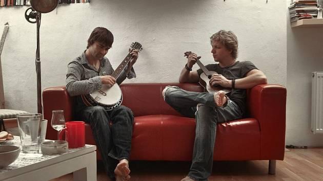 Tomáš Klus s Jiřím Kučerovským natočili album Racek a nyní se chystají na českou část turné.