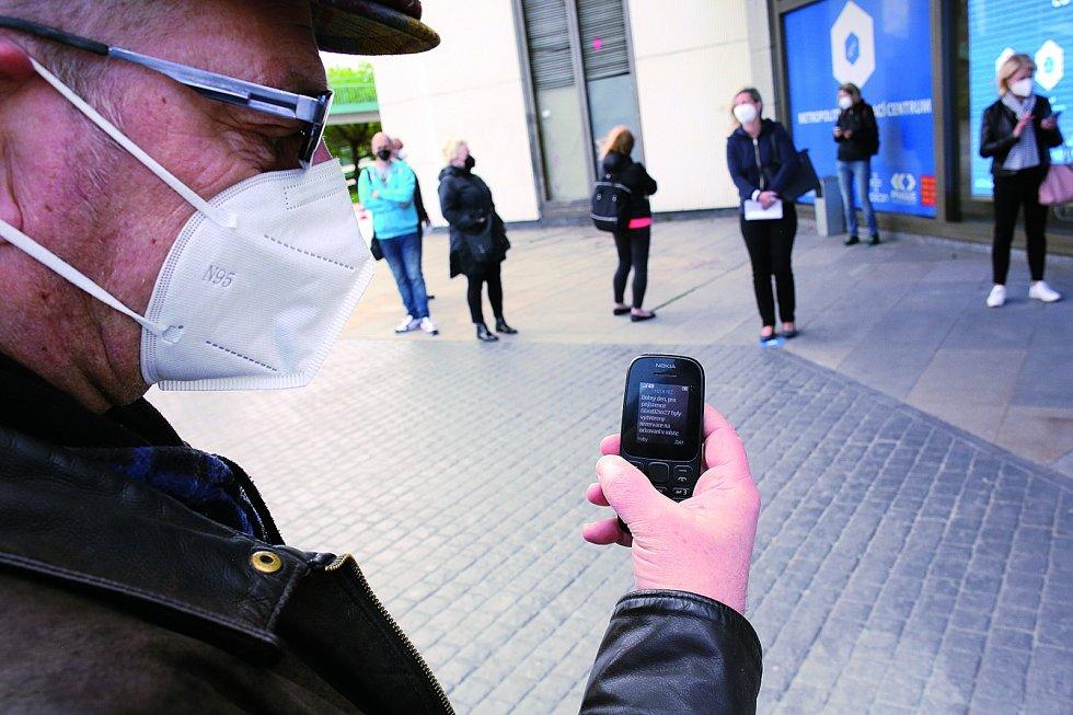 Potvrzení o rezervaci vám přijde jako SMS, kterou zobrazí i ten nejjednodušší tlačítkový telefon