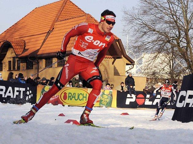 Švýcar Dario Cologna na trati Tour de Ski v Praze - Holešovicích.
