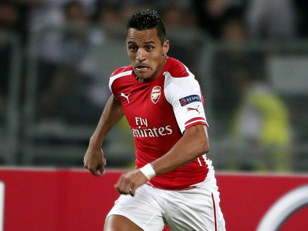 Alexis Sánchez pomohl Arsenalu do základní skupiny LM
