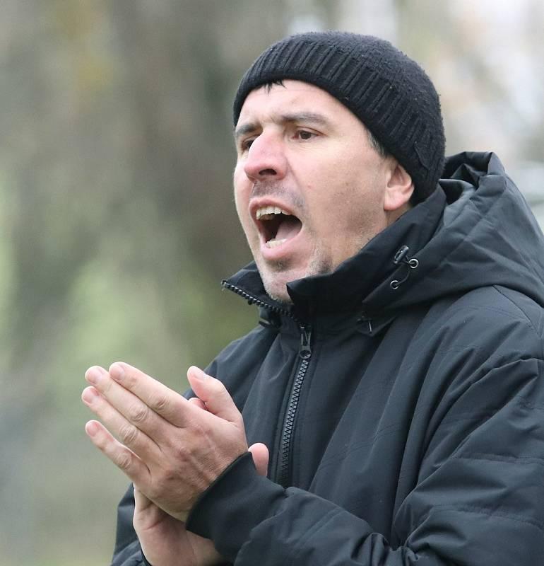 Disciplinární komise OFS Ústí nad Labem vynesla v září jeden z rekordních trestů ve své historii. Bývalý trenér Chuderova a hráč jeho B týmu Petr Čítek dostal zákaz činnosti na 24 měsíců a navíc pokutu 15 000 Kč.