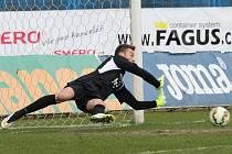Brankář Ostravy Jiří Pavlenka vyzrál na penaltu Daniela Koláře z Plzně.