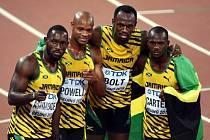 Zlatá jamajská štafeta z Pekingu. Zleva Nickel Ashmeade, Asafa Powell, Usain Bolt and Nesta Carter.