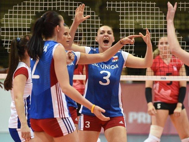České volejbalistky v Grand Prix proti Kanadě.