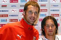 Petr Čech (vlevo) a Tomáš Rosický