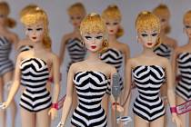 Panenka Barbie slaví padesátiny