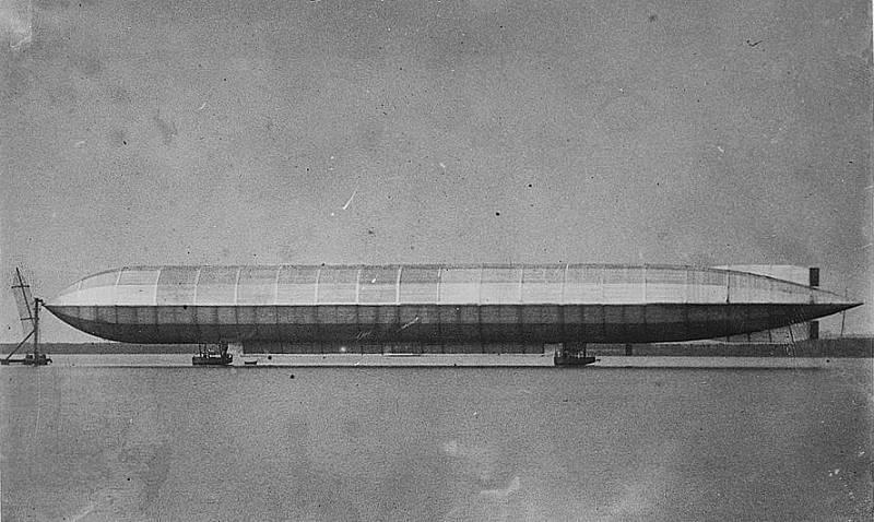 Vzducholoď HMA v roce 1911 v Anglii