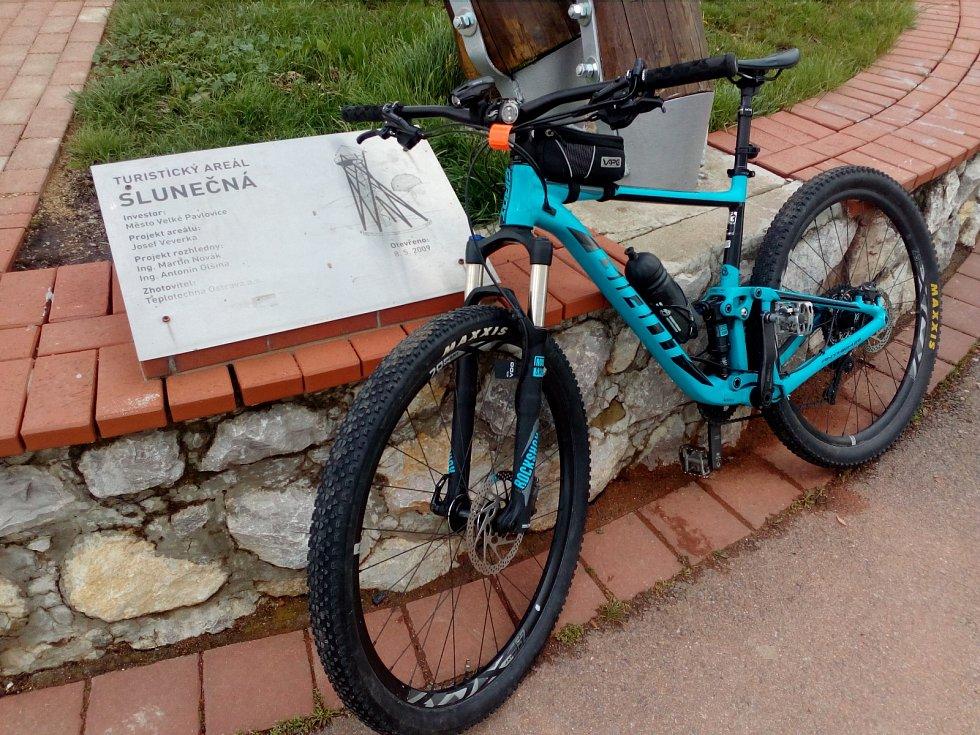 Rozhledna Slunečná na cyklostezce Modré hory.