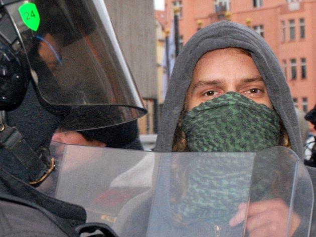 Střet anarchistů s policií