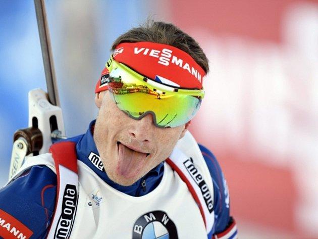 Ondřej Moravec se raduje ze stříbra ve sprintu SP.