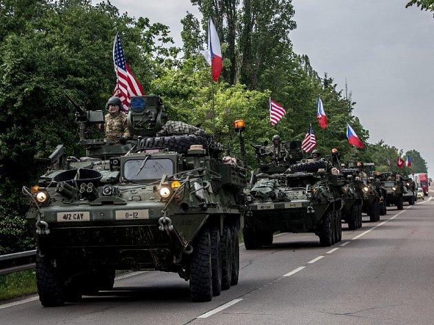 Do kasáren v pražské Ruzyni dorazil 27. května konvoj americké armády.