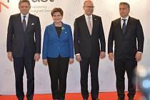 Jakékoliv návrhy na vytvoření takzvaného mini-Schengenu jsou nepřijatelné, shodli se dnes v Praze premiéři zemí visegrádské čtyřky.