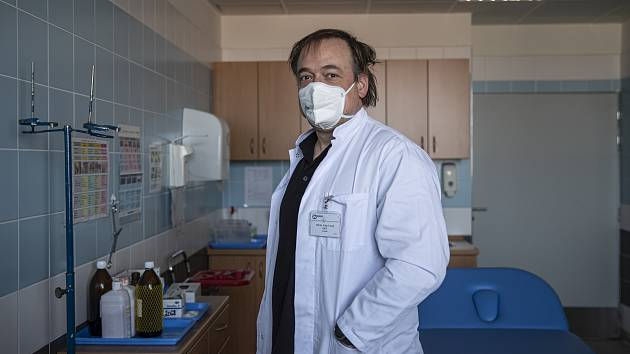ZPÁTKY DOMA. Ortoped Filip Veselý se po šesti letech operování v Německu vrátil do České republiky. Jako primář v Sokolově povede tamější dobře zavedenou ortopedii