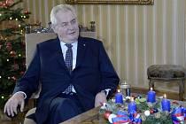 Prezident Miloš Zeman vyzdvihl v dnešním vánočním poselství ekonomický růst Česka, zvýšení platů a nízkou míru nezaměstnanosti.