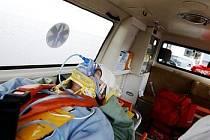 Patnáctiletý chlapec se chtěl v neděli pobavit, teď bojuje o život. Spadl z pouťové atrakce z šestimetrové výšky a nešťastně dopadl na hlavu (ilustrační foto).