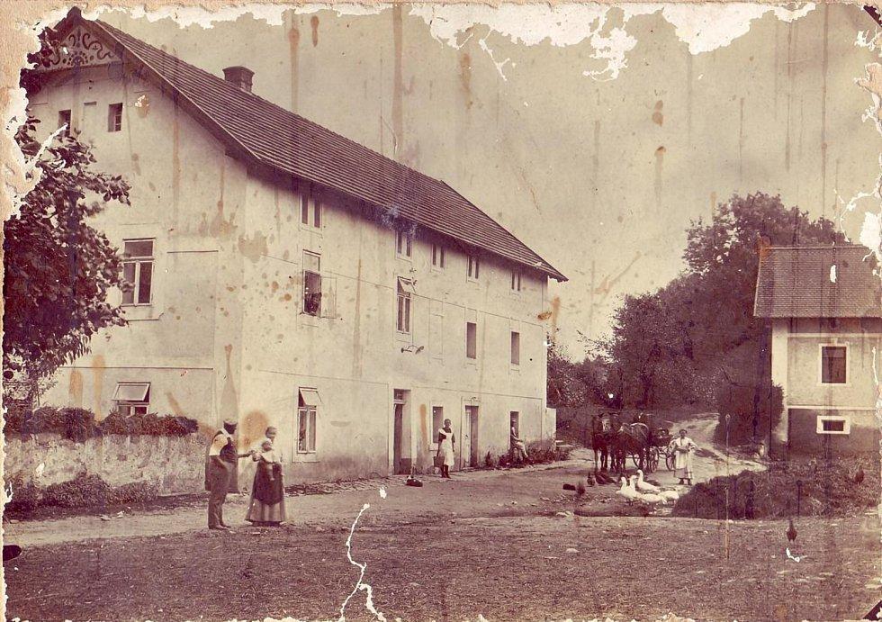 Rodinná farma Kunclův Mlýn - archivní fotografie.