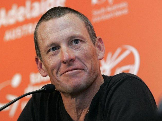 Americký cyklista Lance Armstrong na tiskové konferenci před prvním závodem Tour Down Under, který se pojede v Austrálii.