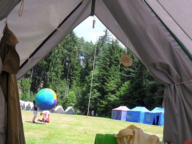 Jak nejlépe vybrat pro dítě letní tábor?