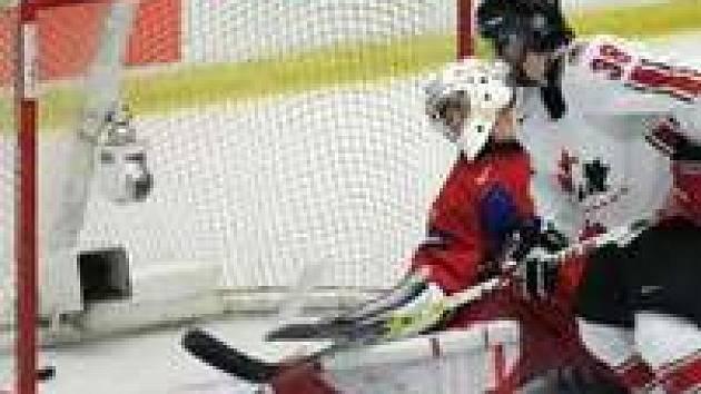 Sam Gagner se s ruskými hokejisty už střetl - ve finále světového šampionátu hráčů do dvaceti let.