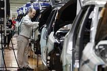 Temné předpovědi Sdružení automobilového průmyslu o tom, že by české automobilové odvětví mohlo kvůli krizi do konce roku přijít až o deset tisíc zaměstnanců, se pomalu naplňují.