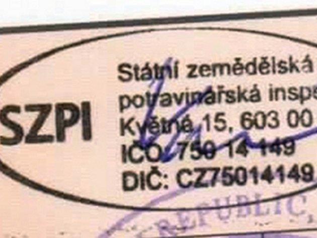 Neznámá žena se podle Státní zemědělské a potravinářské inspekce (SZPI) vydávala za její inspektorku.