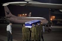 Ostatky Izraelců přepravil z Bulharska izraelský vojenský letoun.