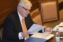 Jiří Rusnok ve Sněmovně.