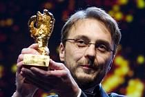 Režisér Calin Peter Netzer se Zlatým medvědem.