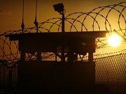 Věznice na americké námořní základně Guantánamo.