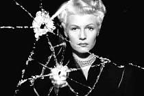 DÁMA ZE ŠANGHAJE. V rámci retrospektivy Orsona Wellese uvidíme i snímek z roku 1947, kde si se slavným tvůrcem Občana Kanea zahrála Rita Hayworthová (na snímku).