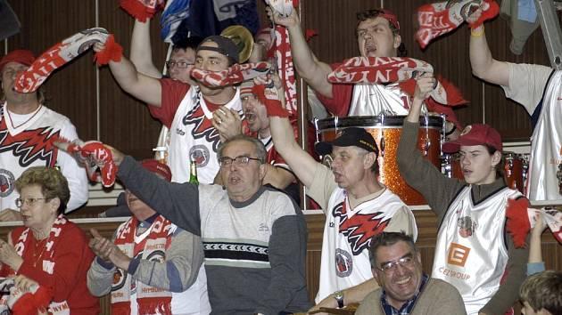 Fanoušci basketbalistů Nymburku