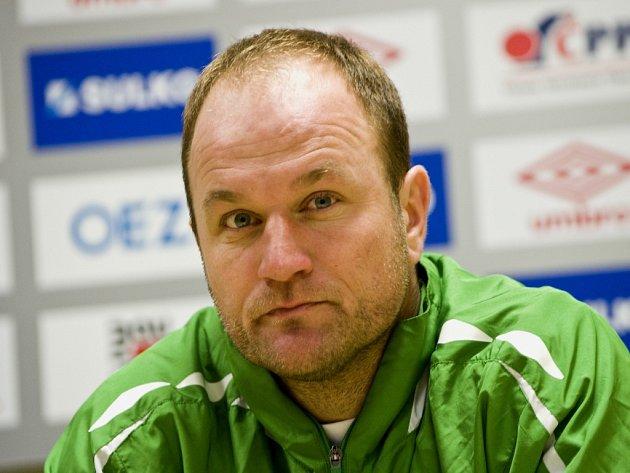 Trenér Pavel Hoftych.