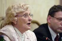 V sobotu ve věku 88 let zemřela historička a předsedkyně Společnosti Edvarda Beneše Věra Olivová. Loni jí prezident Miloš Zeman udělil Medaili prvního stupně Za zásluhy o stát.