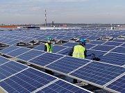 Mytí fotovoltaických panelů