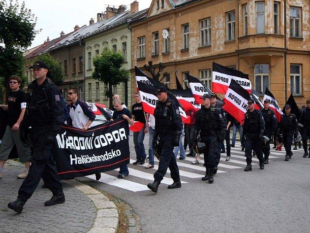Do pražských ulic se chystají i neonacisté z Vysočiny.