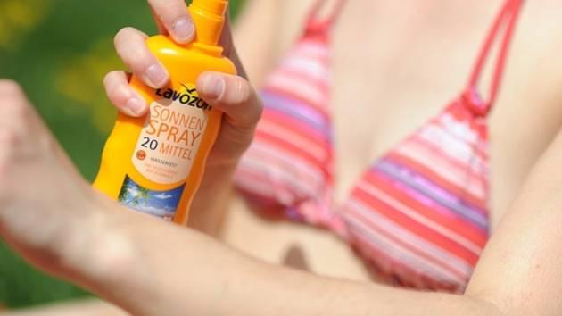 Sluneční záření v Česku bývá letos v jasných dnech kvůli oslabení ozonové vrstvy stejné jako třeba v Chorvatsku u moře či v severní Itálii.