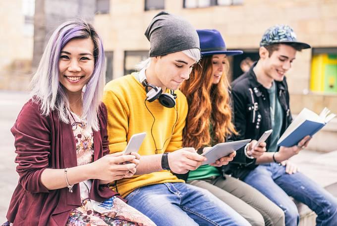 Mladí lidé