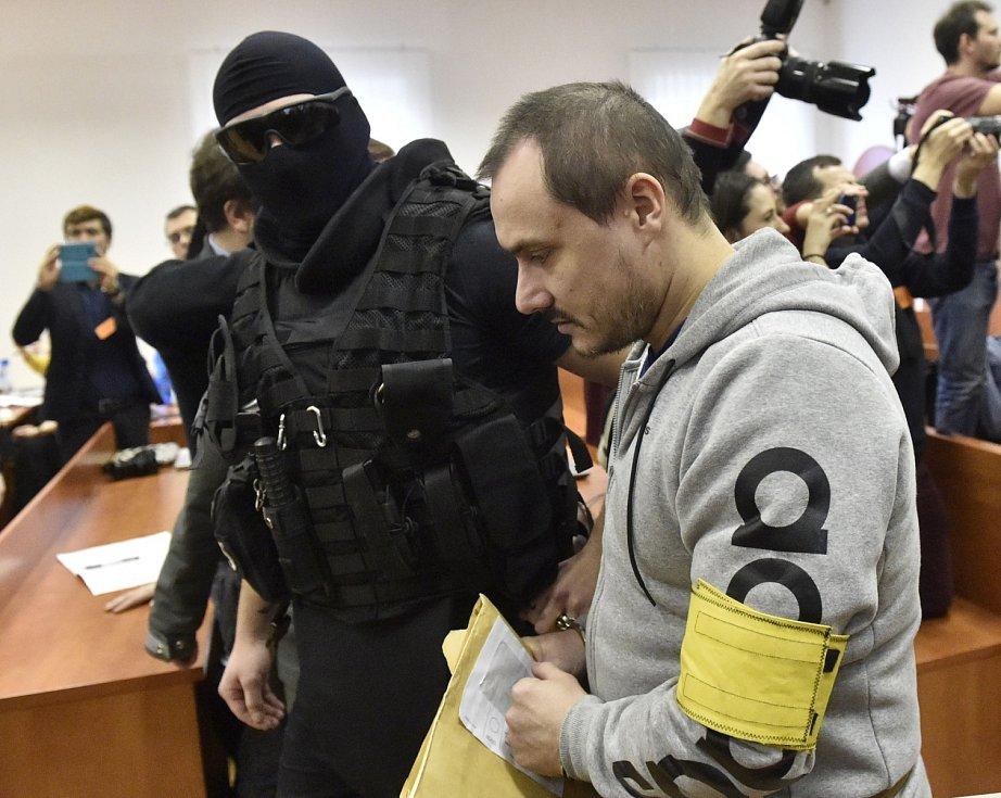 Tomáš Szabó přichází na jednání Specializovaného trestního soudu v Pezinku v případu vraždy novináře Jána Kuciaka a jeho partnerky Martiny Kušnírové..