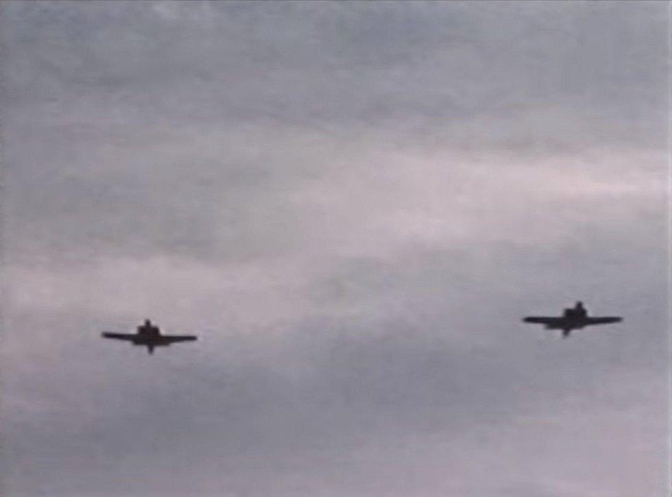 Dvojice stíhacích letadel CF-100
