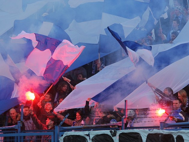 Fanoušci Baníku Ostrava při zápase s Českými Budějovicemi.
