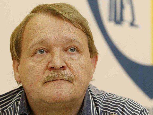 Předseda LOK-SČL Martin Engel vystoupil 19. června v Praze na tiskové konferenci.