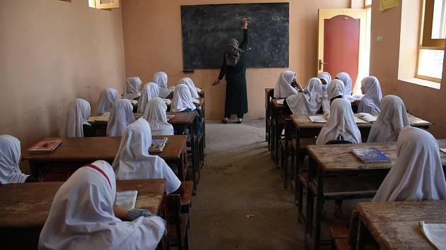 Žačky v afghánské škole