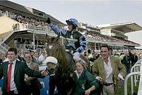 Vítěz s vysokým kurzem není v historii Velké národní výjimkou. Vyhrál tu už i kůň se závratným kurzem 100:1. (Na snímku letošní vítěz Silver Birch.)