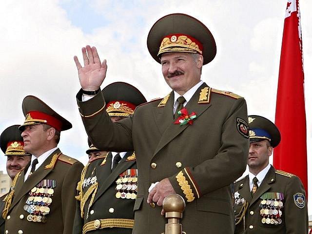 Běloruský prezident Alexandr Lukašenko bude v letošních prosincových volbách znovu usilovat o nejvyšší úřad. Oficiálně to v pátek 24. září 2010 potvrdila ústřední volební komise bývalé sovětské republiky.