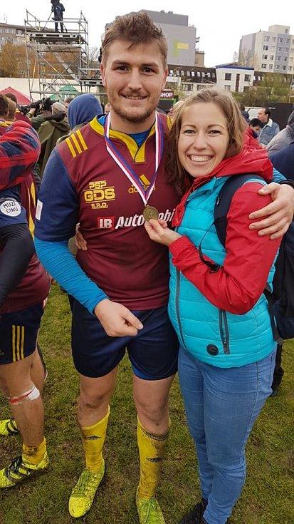 Martina Damborová (26) a Nicolaas Uys (24) – ragby