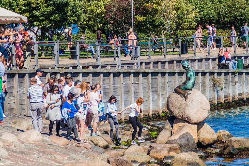 V Kodani je stále velký zájem o symbol města - sochu Malé mořské víly.