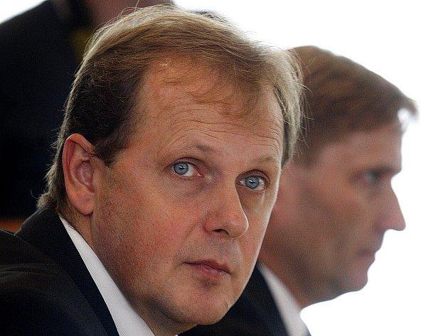 Novým generálním ředitelem České televize zvolen Petr Dvořák.