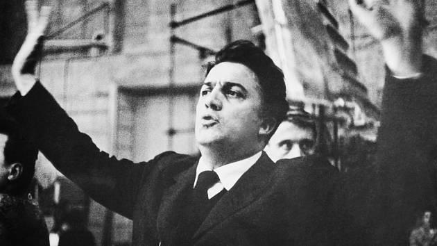 Režisér Federico Fellini na snímku z roku 1960