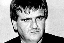Salazar byl do USA vydán v roce 2007 a rok nato byl odsouzen za obchod s kokainem k 16 letům vězení.