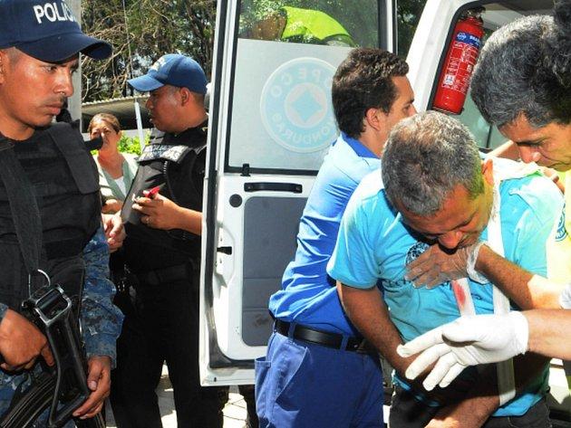 Tři vězni byli zabiti a dalších 24 zraněno při středeční vzpouře v jedné z chronicky přeplněných věznic v Hondurasu.